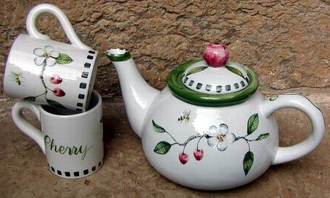 pd tea set cherry cropped